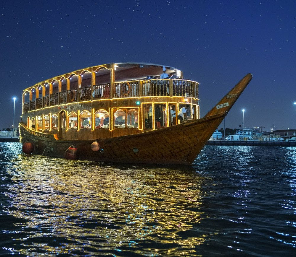 Helicopter Tour & Dhow Dinner Cruise